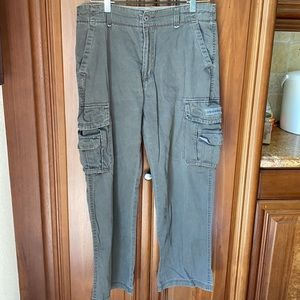 UnionBay Relaxed Fit Army Green Cargo Pant 34 x 30